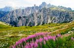СЕВЕРНА ИТАЛИЯ – летен тур в уникалните Доломити! Други подобни планини няма никъде другаде! Има жена за комбинация!