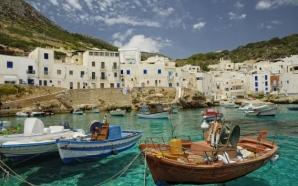 Екскурзия ИТАЛИЯ - остров СИЦИЛИЯ – круиз до остров Малта. Има жена и мъж за комбинация. - 10 дни / 7 нощувки със закуски в хотели / 2 – на ферибот/ 4 вечери
